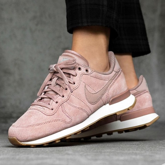 fashion styles discount classic shoes NWT Nike Internationalist special edition NWT